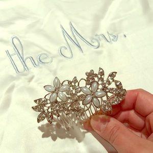 Accessories - Flower Crystal Rhinestone Pearls Comb (Silver)